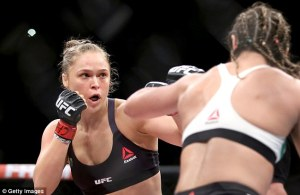 2B08153900000578-3184815-Ronda_Rousey_needed_just_34_seconds_to_beat_Bethe_Correia_at_UFC-a-20_1438682804466